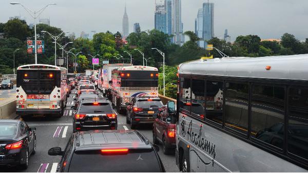 监控系统安装公司浅谈路口红绿灯人脸识别监控抓拍系统